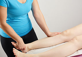 Osteopathy treatment, the professional masseur and his patient